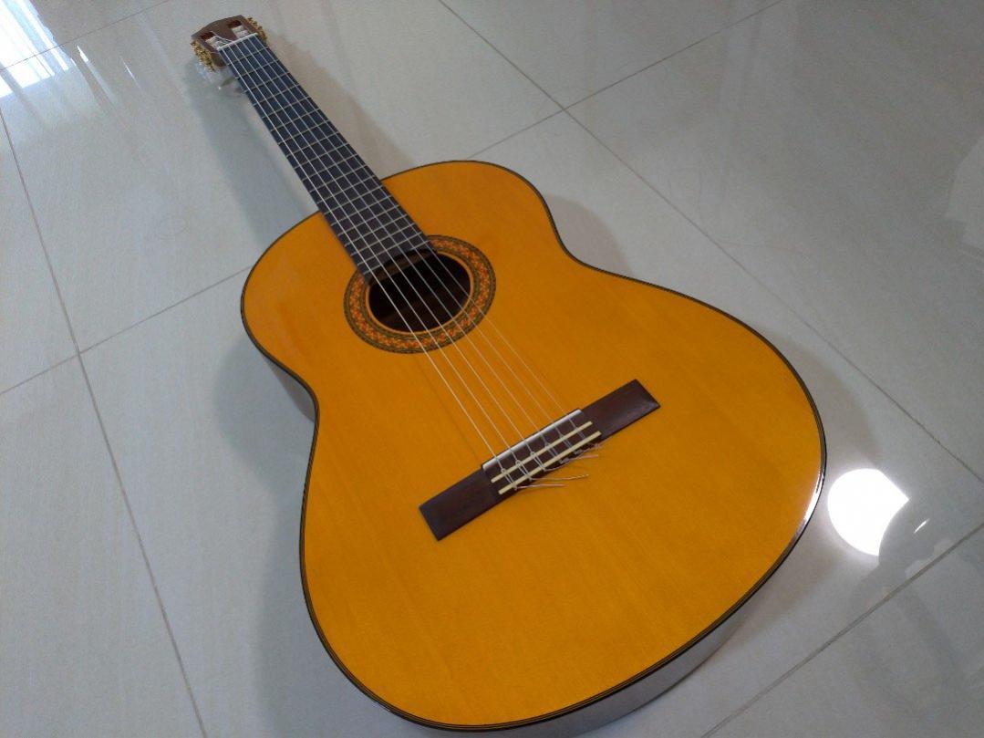 Name:  yamaha_c70_acoustic_guitar_1547006816_68e071bf.jpg Views: 159 Size:  74.6 KB