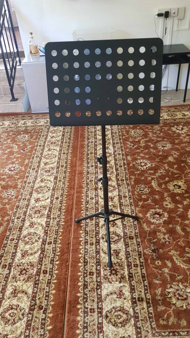 Name:  music stand-reduced.jpg Views: 66 Size:  101.8 KB