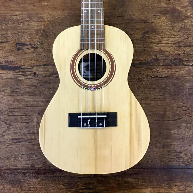Name:  brand_new_exquisite_solid_top_ukulele_UK424 Front.jpg Views: 952 Size:  67.8 KB
