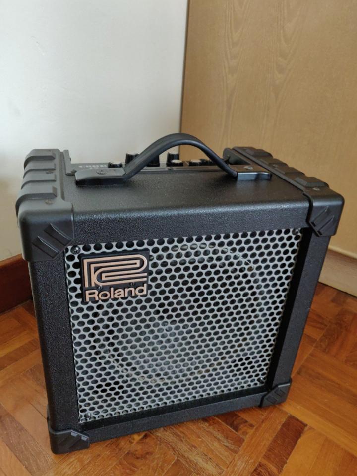 Name:  roland_cube_15_guitar_amp_1545203121_8683e0d6.jpg Views: 152 Size:  92.4 KB