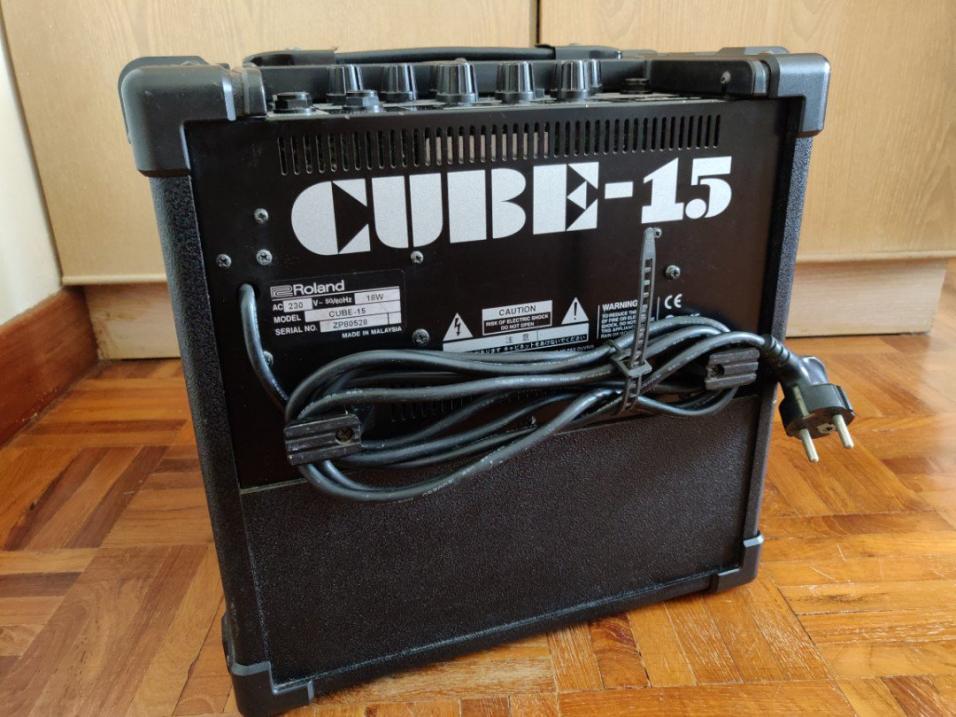 Name:  roland_cube_15_guitar_amp_1545203121_3e744e24.jpg Views: 153 Size:  93.3 KB