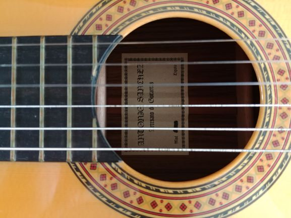 Name:  soundhole.jpg