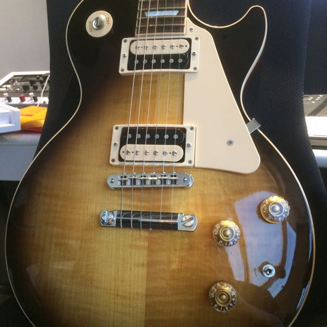 Name:  gibson_120th_anniversary_les_paul_classic_1465370428_63feea59.jpg