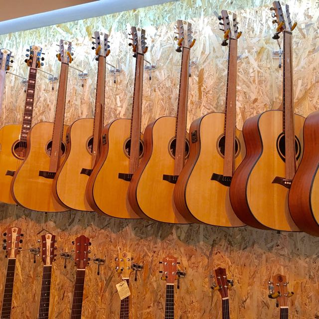 Name:  solid_top_guitars JB 2017.jpg Views: 965 Size:  86.3 KB