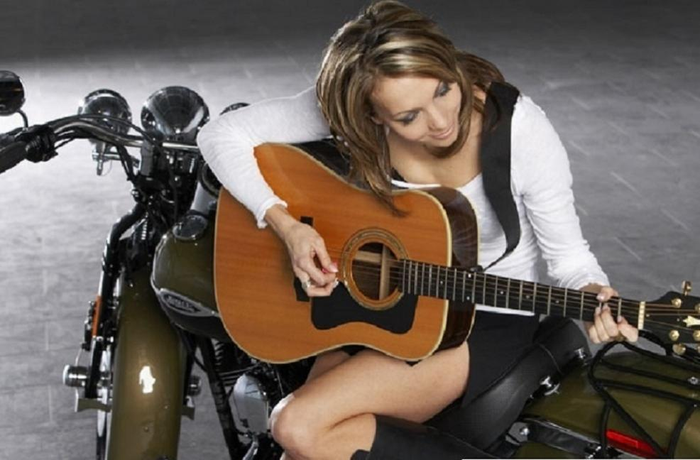 Name:  Playing Acoustic.jpg Views: 173 Size:  69.4 KB
