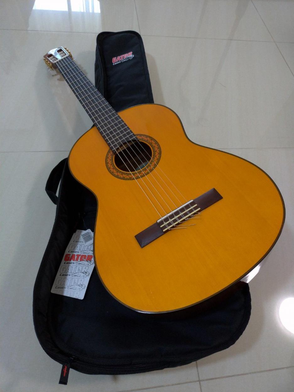 Name:  yamaha_c70_acoustic_guitar_1547006816_4d713a11.jpg Views: 161 Size:  90.4 KB